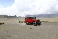 Jeep ed all'aperto Fotografia Stock