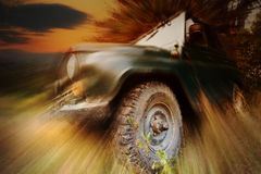 Jeep en la acción Imágenes de archivo libres de regalías