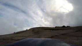 Jeep i depro-bergen arkivfilmer
