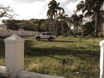 Jeep i solen Royaltyfri Bild