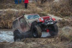 Jeep im Schlamm Stockfotos