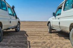 Jeep Journey par le désert chaud en Egypte Photos libres de droits