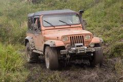 jeep modifiée de concurrence Photos libres de droits