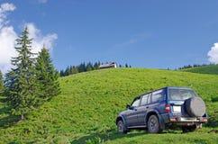 Jeep op berg royalty-vrije stock foto