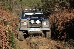 Jeep participant sur le chemin de l'aventure 4X4 Image stock