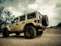 Jeep Rock Crawling orange photographie stock