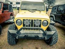 Jeep Rock Crawling orange photographie stock libre de droits