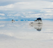 Jeep in the salt lake salar de uyuni Stock Photography