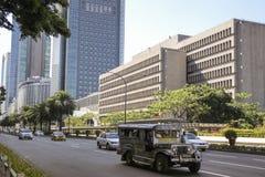 Jeepney阿亚拉大道地铁马尼拉菲律宾 免版税库存照片