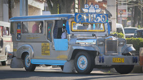 Jeepney στην οδό στη Μανίλα Στοκ φωτογραφίες με δικαίωμα ελεύθερης χρήσης