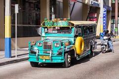 Jeepney Fotografering för Bildbyråer