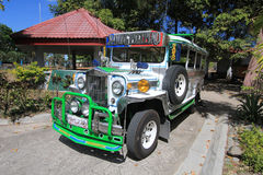 Jeepney i nayongpilipinoen clark Royaltyfri Bild