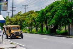 jeepney TARGET261_0_ przejażdżka Obrazy Stock