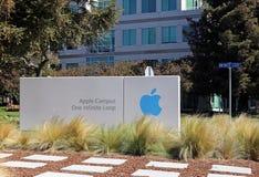 Jefaturas del mundo de Apple Imágenes de archivo libres de regalías