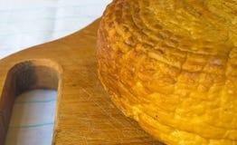 Jefe del queso tradicional del Adygei hecho a mano Fotos de archivo libres de regalías