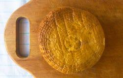 Jefe del queso tradicional del Adygei hecho a mano Fotos de archivo