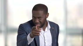 Jefe negro que le acusa y que culpa metrajes