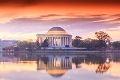 Jefferson Memorial durante Cherry Blossom Festival en DC Fotografía de archivo