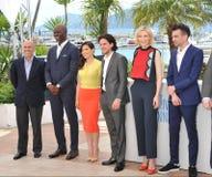 Jeffrey Katzenberg et Djimon Hounsou et America Ferrera et Kit Harington et Cate Blanchett et Jay Baruchel Photo stock