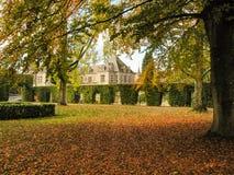 Jehay城堡在秋天颜色的 库存照片