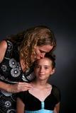 jej córka całowanie matka Fotografia Royalty Free
