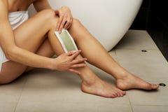 jej nogi golenia kobieta Obrazy Stock