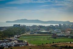 Jeju ö, KOREA - NOVEMBER 12: Turisten besökte Sanbanggul Arkivbild