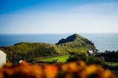 Jeju ö, KOREA - NOVEMBER 12: Turisten besökte Sanbanggul Royaltyfri Bild
