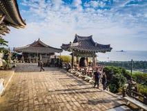 Jejueiland, KOREA - NOVEMBER 12: Toerist bezochte Sanbanggul Royalty-vrije Stock Foto