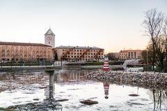 Jelgava och Lielupe flod i Lettland Royaltyfri Bild