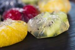 Jello efterrätt med frukter Fotografering för Bildbyråer