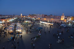 Jemaa el kwadrat przy półmrokiem w Marrakesh Fotografia Stock
