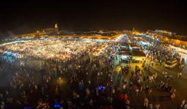 Jemaa Gr-Fnaa, vierkants en marktplaats in Marrakech Stock Afbeeldingen
