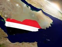 Jemen z flaga w powstającym słońcu Zdjęcia Royalty Free