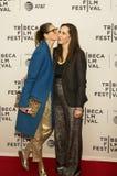 Jenna Lyons och Laurie Simmons på den Tribeca filmfestivalpremiären 2017 av ` min konst`, Royaltyfri Bild