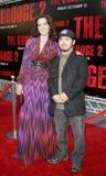 Jennifer Beals och Takashi Shimizu Fotografering för Bildbyråer