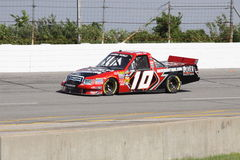 Jennifer Jo Cobb Qualifying NASCAR Truck Reeks 10 Royalty-vrije Stock Foto's