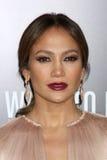 Jennifer Lopez kommt in an   lizenzfreie stockfotografie