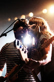 Jenny & Johnny (musikband) perfoms på Razzmatazzetappen Arkivfoton