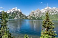 Jenny Lake en parc national de Teton Image stock