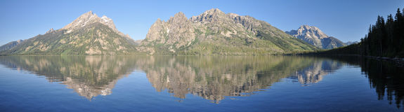 Jenny Lake. With mountains and reflection in Grand Teton National Park Royalty Free Stock Photos