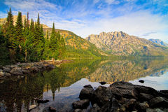 Jenny Lake no parque nacional grande de Teton, Wyoming Foto de Stock Royalty Free