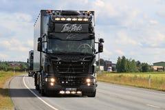 Jens Bode Black Scania R730 Ghost Rider na estrada imagem de stock