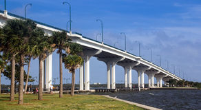 Jensen Beach Bridge imagem de stock royalty free