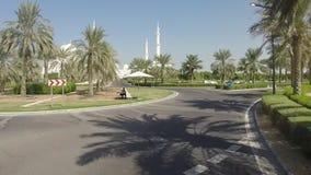 Jeque Zayed Grand Mosque en Abu Dhabi almacen de metraje de vídeo