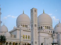 Jeque Zayed Grand Mosque está situado en Abu Dhabi, el capital del jeque Zayed Grand Mosque de United Arab Emirates imagenes de archivo