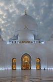 Jeque Zayed Mosque en la noche Fotos de archivo