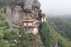 Jerarquía de los tigres monastary en Paro, Bhután Fotografía de archivo