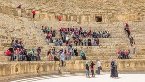 JERASH, ДЖОРДАН - 25-ОЕ АПРЕЛЯ 2016: Город Jerash арены римский, Стоковое Фото
