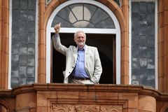 Jeremy Corbyn besöker Redhouse, Merthyr Tydfil, södra Wales, UK royaltyfria foton